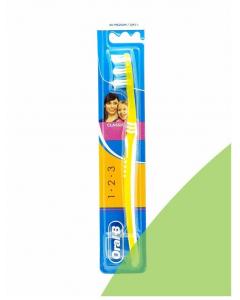 Escova de Dentes Oral B 123 Classic Medium